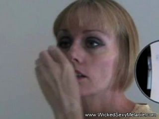 nervöse Amateurfrau missbraucht