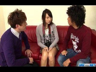 Shiori Uta sehnt sich nach harter Stimulation an ihre Fotze