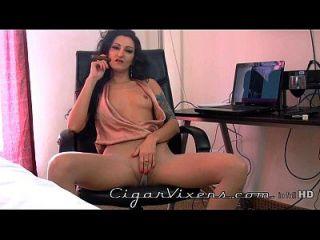 Lily douce, Zigarrenvixen, volles Video