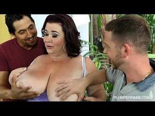 riesige tit bbw mom lady lynn wird von 2 riesigen Schwänze gefickt