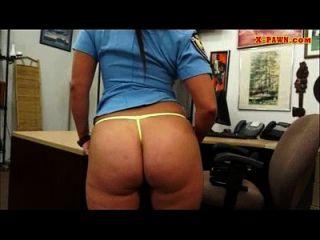 busty und big ass Polizeibeamten genagelt von Pfandmann für Bargeld