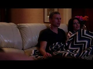 Jenna J ross wird von ihrer Freundin im Haus kommen, Szene # 02 gefickt