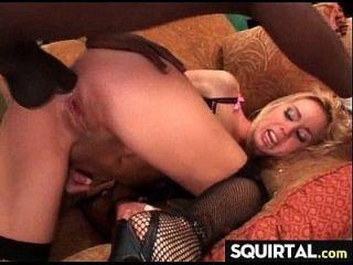 erstaunlicher spritzender Orgasmus 4