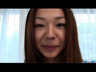 serina hayakawa gefällt mit ihren warmen lippen