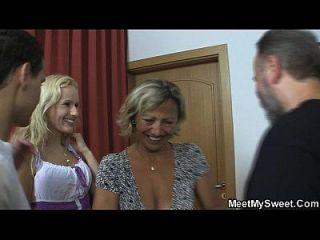 tschechische Blondine in Familie Dreier beteiligt