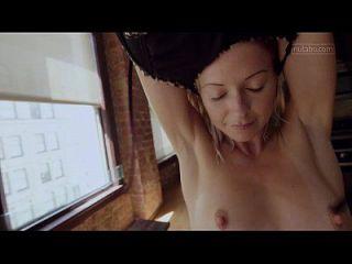 Petite Yoga Babe zittert mit Orgasmus