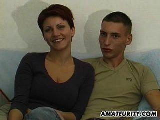 Junge Amateur Paar erste Blowjob auf Kamera