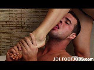 Dein footjob-fetisch macht mich wirklich an