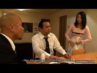 asian Magd saugen ihn vor seinem Klienten