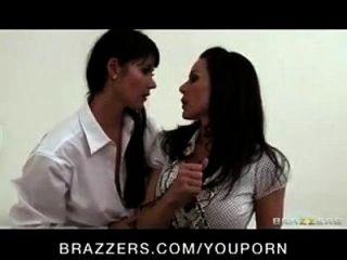 dominant big boob milf eva karera fickt kendra lust mit strap on
