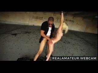 winzige niedliche Blondine gefesselt und gefickt mehr auf realamateur.webcam