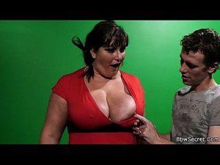er heftlich fickt großen boobs plumper