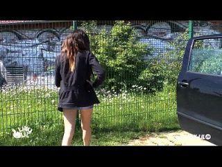 Teen Mädchen abgeholt und gefickt im Freien und öffentlichen Amateur