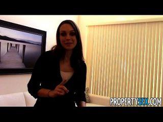 propertysex motivierte Immobilienmakler verwendet Sex, um neue Kunden zu bekommen