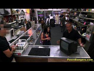 hot cuban milf nimmt riesigen Schwanz bis ihre Fotze