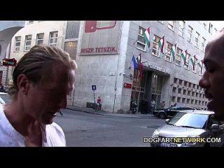 Nesty bekommt ihren Lieblingsschwarzen Pornostar zu ficken