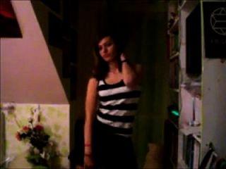 novinha magrinha fazendo striptease veja mais aqui caiunanet18.com/ver/pelada