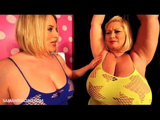 2 riesige titbbws bounce und titty stoßen sich gegenseitig an