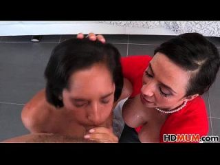 heiße Mama Ariella Ferrera und Chloe Amour Sex