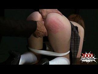 Redhead bekommt ihren Arsch zerstört