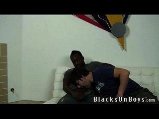 joey versucht schwule Sex mit einem schwarzen Kerl