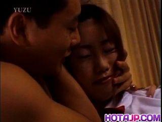 michiru tamaki wird neben gal gefickt und teilt boner mit ihr
