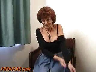 Rothaarige Oma Milf Blasen