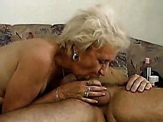 Oma kann deepthroat