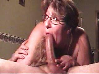 nach unten tiefer Oralsex