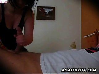 Amateur Freundin Blowjob mit abspritzen in den Mund