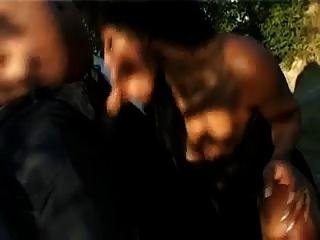 schwarze Prostituierte - Blowjob im Auto