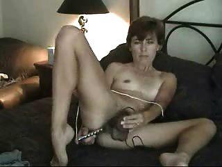 Amateur reife haarige Solo MILF Mutter mit Dildo Spielzeug masturbieren