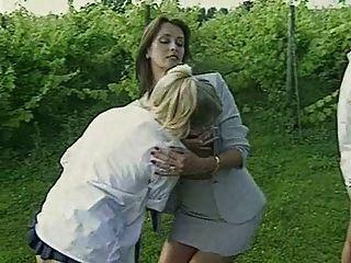 lesbische Lehrer bestrafen Rauchen Schüler