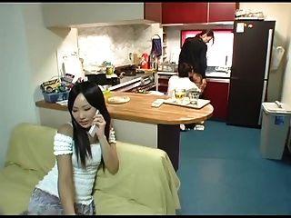 junge Frau und junge Mutter-in-law Szene 5 (zensiert)