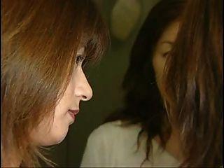 die besten 3 japanische Mädchen Zunge küssen Sexszene