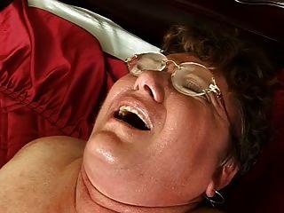 haarige Fett Oma fickt