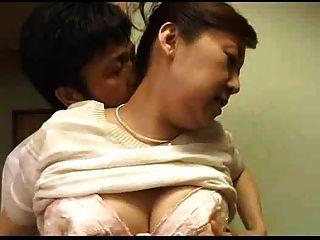 japanisch mom