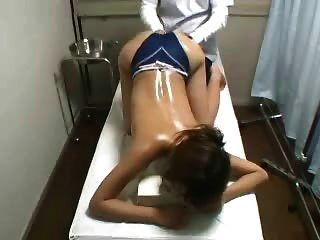 hidden cam Spion junge japanische Massage Patient gefingert