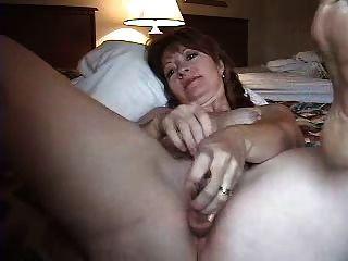 geile reife Frau anal masturbieren
