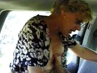 Frau in einem Auto Mann gefickt filmt