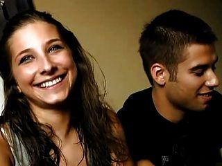junge spanische Paar
