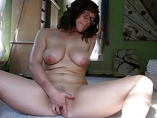 hot girl masturbiert