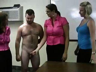 ruckelt Mädchen - Schuljunge Demütigung - carrie-Glauben