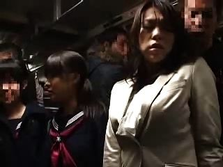 guter Freund Mutter und Tochter nehmen eine bus11