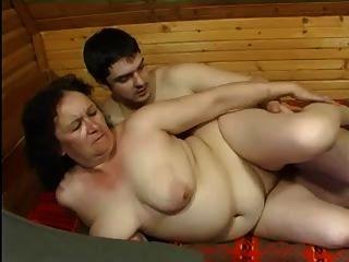 Oma anal und der Junge
