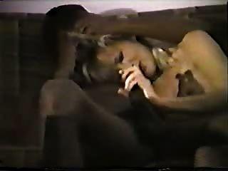 junge blonde weiße Frau mit schwarzen Liebhaber - hausgemachte interracial