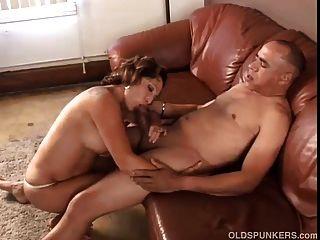 herrlich Oma liebt cum ficken und essen