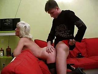 Oma inga mit saggy Titten wird von snahbrandy gefickt