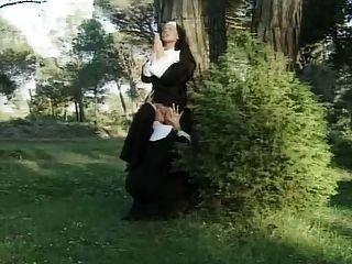 französisch lesbischen unmoralisch Nonnen