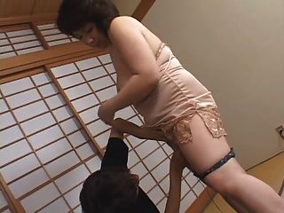 ältere japanische Mama wollen cumm !!